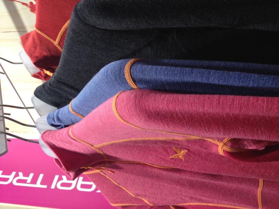 Kari Traa merino uld undertøjet kommer i de her farver til tøserne - © Jeppe Hansen / Skiinfo.dk