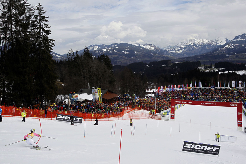 Glückwunsch, Andrea Filser: Platz 23 und damit erstmals Weltcup-Punkte in Ofterschwang. - © Christophe PALLOT/AGENCE ZOOM
