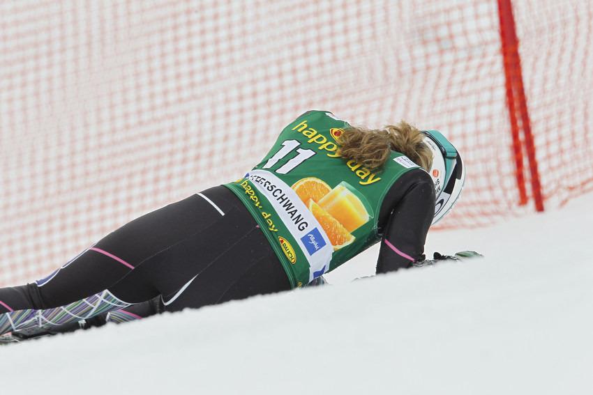 Mikaela Shiffrin stürzte im Riesenslalom, konnte aber im Slalom wieder antreten - © Christophe PALLOT/AGENCE ZOOM