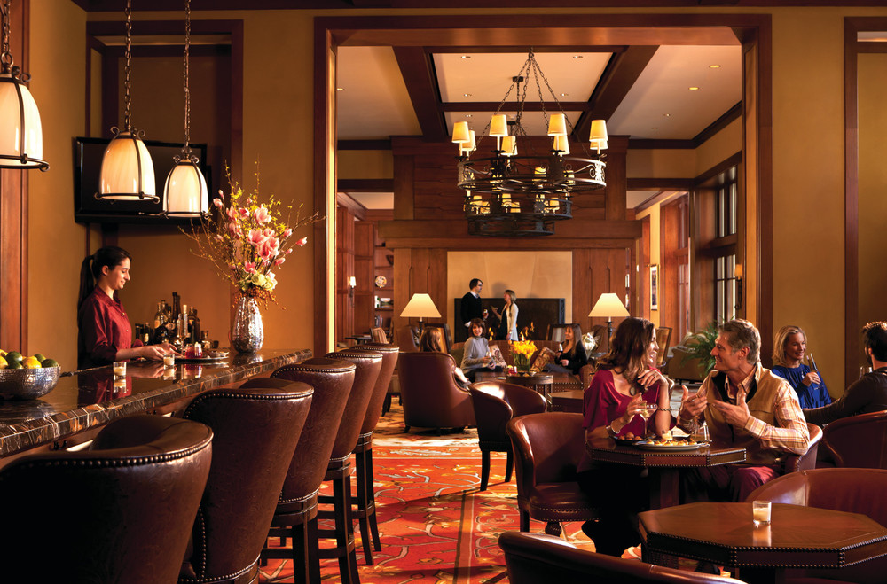 Fireside Lounge Bar At Four Seasons Vail