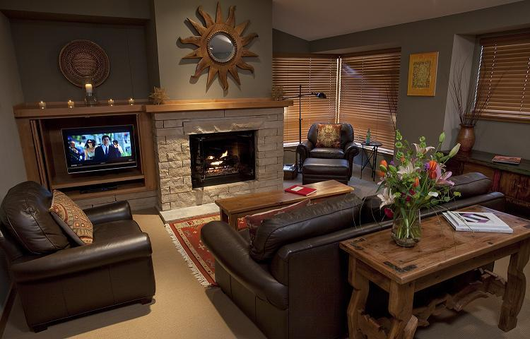 The living room in a 1 bedroom/1 bathroom condo at the Edelweiss Lodge & Spa. - © Edelweiss Lodge & Spa