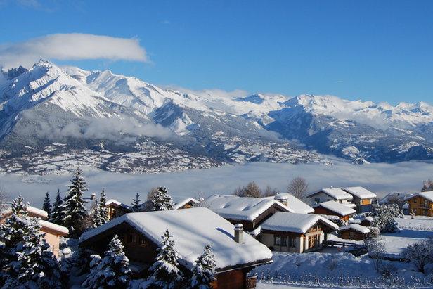 """En Janvier et Mars, Nendaz vous propose de skier sans vous ruiner grâce à son offre """"Grand ski à petit prix !"""""""