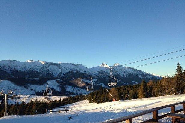 Snehové správy: Slovenskí lyžiari už majú na výber z viacerých otvorených stredísk- ©Ski Jezersko - Bachledova