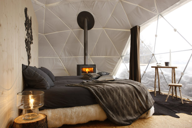 Sleeping on snow: Igloos & luxury pods ©Whitepod