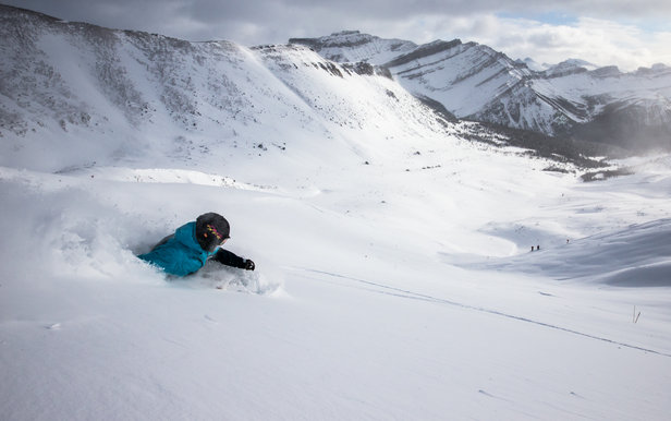 First tracks in Lake Louise's incredible back bowl terrain. Skier: Keegan Capel - ©Liam Doran