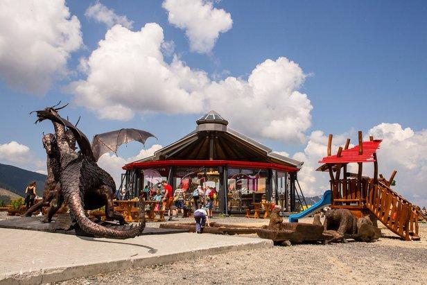 Drakopark na Chopku stráži trojmetrový drak- ©TMR
