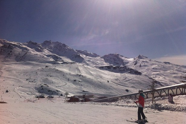 A sunny Val Thorens on Monday (March 31), but snow clouds are moving in this weekend, bringing 28cm of fresh snow