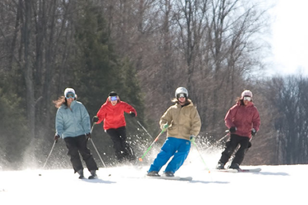 Shawnee Mountain, PA group skiing