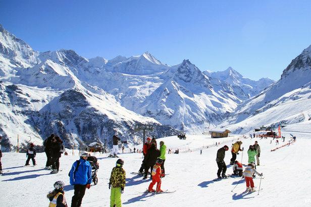 Venez fêter le début de la saison de ski à Grimentz-Zinal dès le 22 novembre prochain...