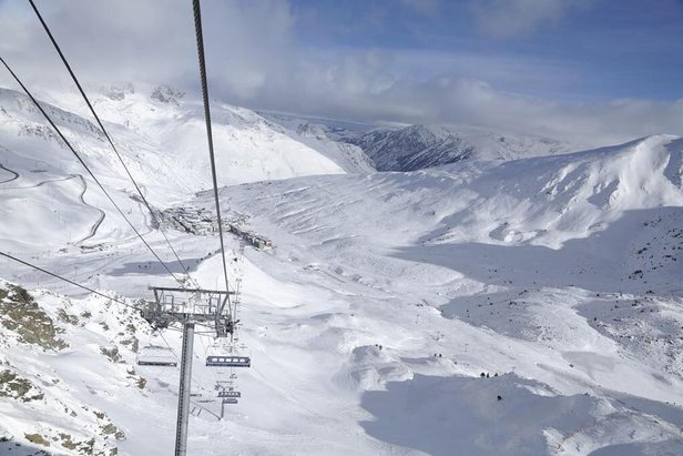 Sunny skies in Grandvalira yesterday after 37cm of snow this week