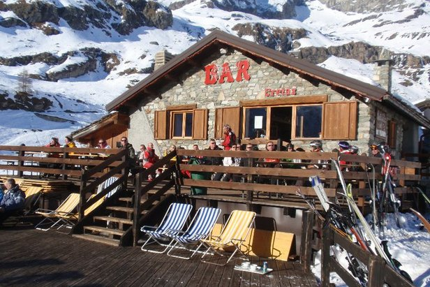 Tipy na jarní lyžovačku: 5 nejlepších lyžařských středisek v Itálii- ©Baita Cretaz, Cervinia
