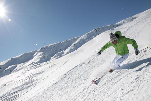 4 Sci Alpino a Passo San Pellegrino  - © Val di Fassa - F. Modica