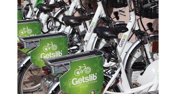Avec son service GetsLib', la station de ski des Gets devient la première station française à proposer la location de vélos à assistance électrique en libre service.