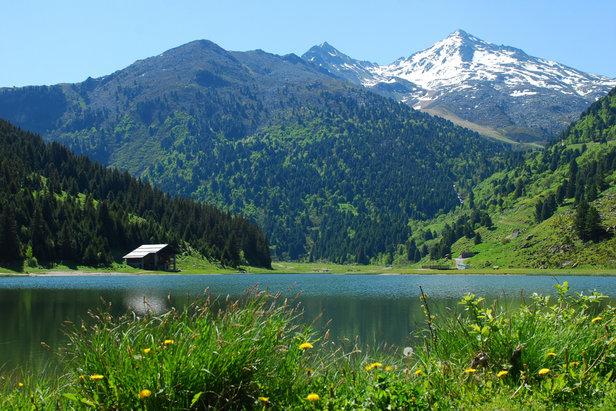 Príroda v okolí Méribel je impozantná aj v lete: Pohľad na jazero Tuéda
