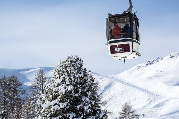 Conditions idéales (soleil et neige fraîche) sur le domaine skiable de ski de Vars