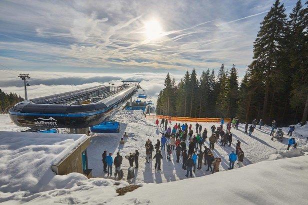 Na Černé hoře se ode dneška lyžuje na 7 km sjezdovek, v Peci jedeme od 8.12.- ©SkiResort Černá hora - Pec
