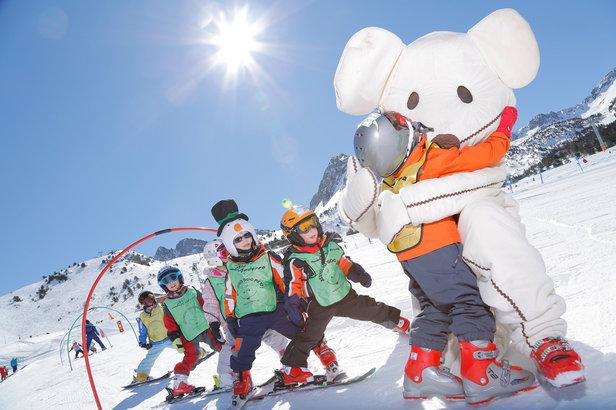 Apprentissage du ski en douceur et sous forme ludique au sein du circuit Imaginarium de Grandvalira