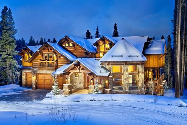 10 of the Best Ski-In/Ski-Out Hotels in the World ©Five O'Clock Lodge