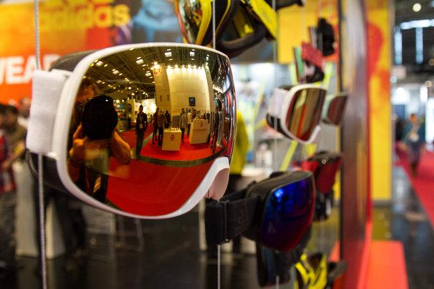 Stylische Skibrillen für die Saison 16/17 am Stand von adidas eyewear