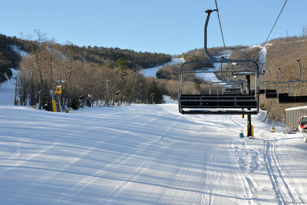 A bluebird day with fresh corduroy rounded out the weekend at Massanutten