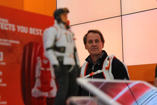 News von der ISPO in München: Neue Handschuhe, Stöcke, Rucksäcke und Sicherheitsequipment - ©Skiinfo