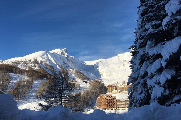 La neige est arrivée à point nommé. A peine les vacances de la zone B débutées, la neige est venue recouvrir les stations du Val d'Allos.