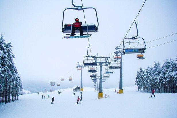 Raport śniegowy: w Alpach idealne warunki narciarskie, w Sudetach najlepsze w tym sezonie! ©Zieleniec Ski Arena