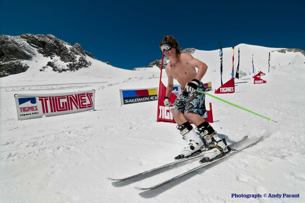 Le ski d'été : le plaisir de la glisse conjugué à celui de la douceur estivale...