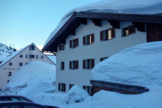 W drugiej połowie marca w St. Christoph am Arlberg nadal zalega gruba warstwa śniegu  - © Tomasz Wojciechowski