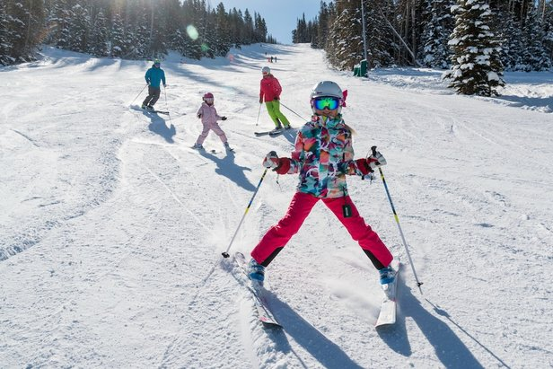 Families Save Big Learning to Ski/Ride in Jan. ©Deer Valley Resort