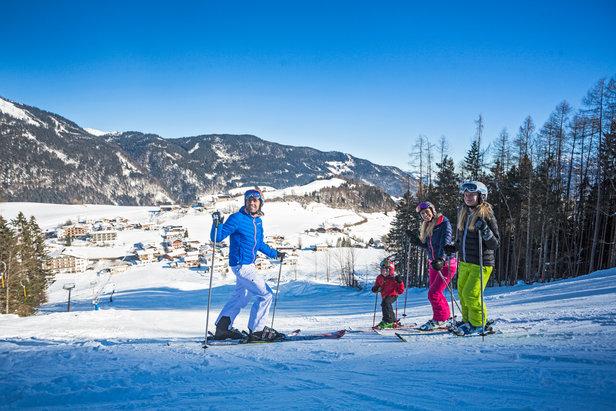 Günstige Skigebiete: Für weniger als 20 Euro am Tag viel Skivergnügen erleben ©Tirolina