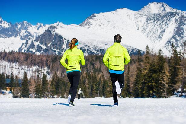 Enfillez vos chaussures de running et partez arpenter les sentiers enneigés...