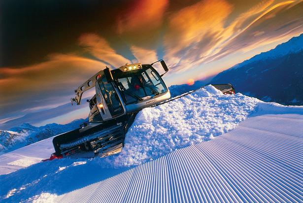 Pistenraupe in der Skiregion Dolomiti Superski