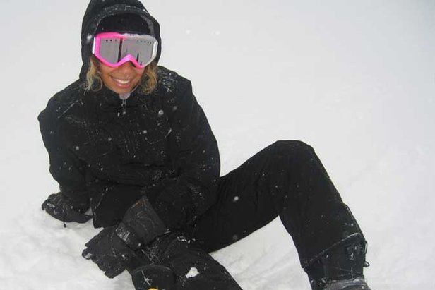 Leona Lewis Learns To Board In Ischgl