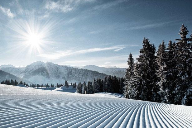 Schneebericht: Schnee- und Kaltfront zieht ab Montag ab, die Woche bringt viel Sonnenschein! ©Bergbahnen Alpendorf