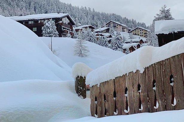 Schneebericht: April bleibt wechselhaft und kalt - weitere Schneefälle über das Wochenende ©Livigno Facebook