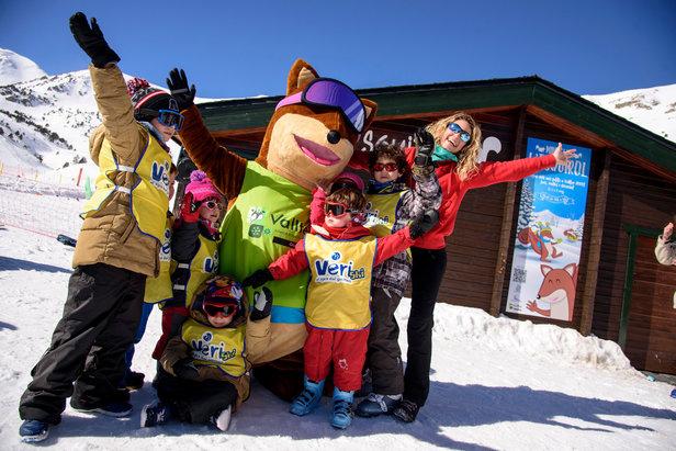 Les Pyrénées catalanes, destination idéale pour une escapade à la neige avec les enfants- ©Vallter 2000 - FGC