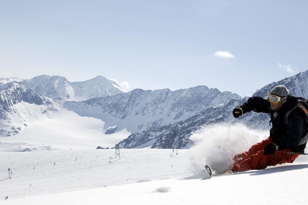 Skifahren im Juli: In diesen Skigebieten liegt auch im Sommer Schnee- ©Stubaier Gletscher