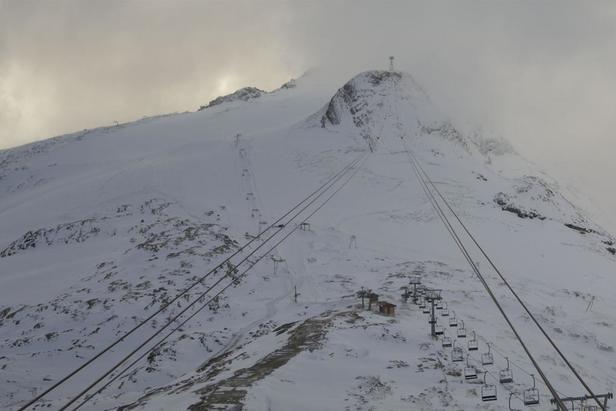 A good sprinkling of snow in Tignes 15/10/19  - © Tignes webcam/OTS