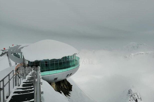 Dočasne zastavujeme aktualizáciu snehových správ vo väčšine európskych lyžiarskych stredísk