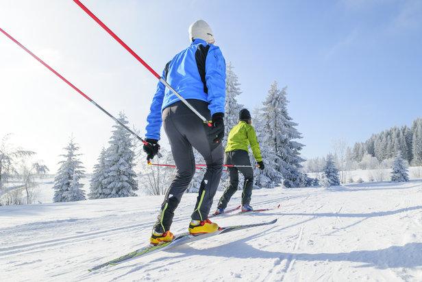 Vous pensez encore que le ski de fond est réservé à votre grand-mère ? Alors il est temps de mettre au placard vos idées reçues...
