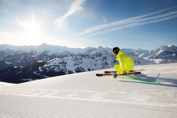 Ski Zillertal with the vast Tyrolean mountains at your feet