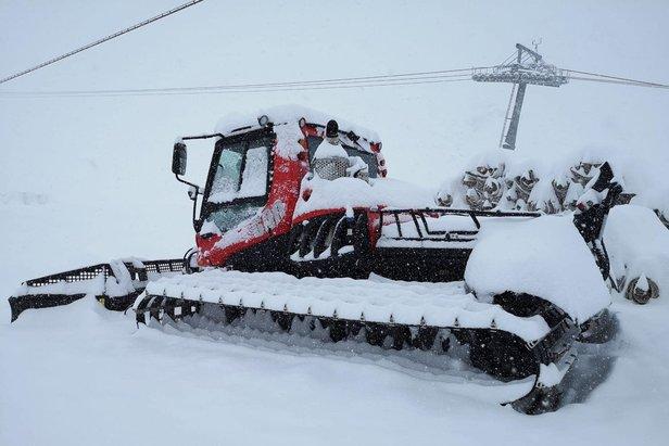 Niekoľko desiatok centimetrov snehu napadlo na Stubaiskom ľadovci