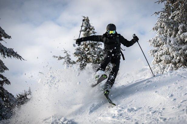 Čerstvý sneh a počasie na jednotku: Taká bola trojkráľová prašanová lyžovačka nášho fanúšika Martina Mesiarika s partiou na Martinkách