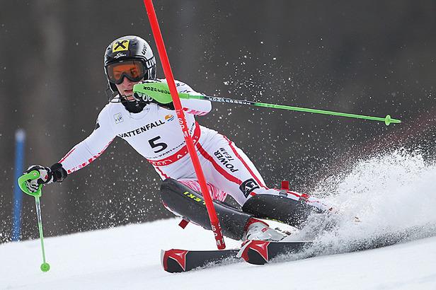 Kein Wechsel beim Ski-Star: Kathrin Zettel verlängert bei Atomic- ©Audi