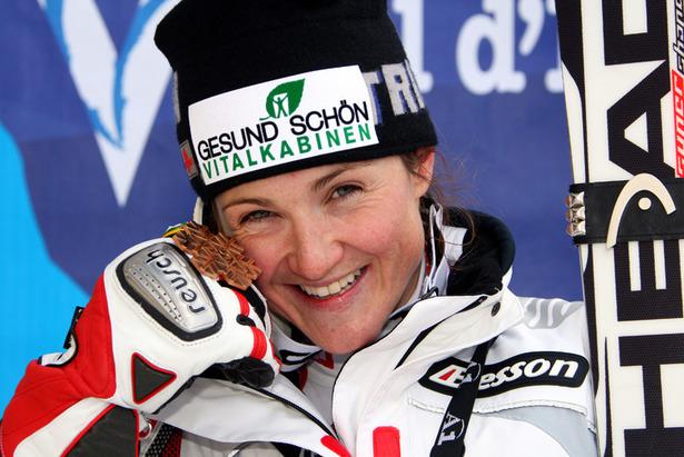 WM-Splitter: Elisabeth Görgl singt offiziellen Song zur Ski-WM ©Head