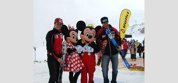 Micky, Minnie & Co zauberten Ski-Spaß auf den Stubaier Gletscher- ©Völkl