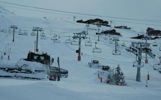 Derniers préparatifs avant l'ouverture des pistes de ski des Menuires