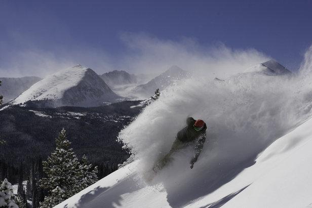 Powder turn in Vail, Colorado  - © Vail
