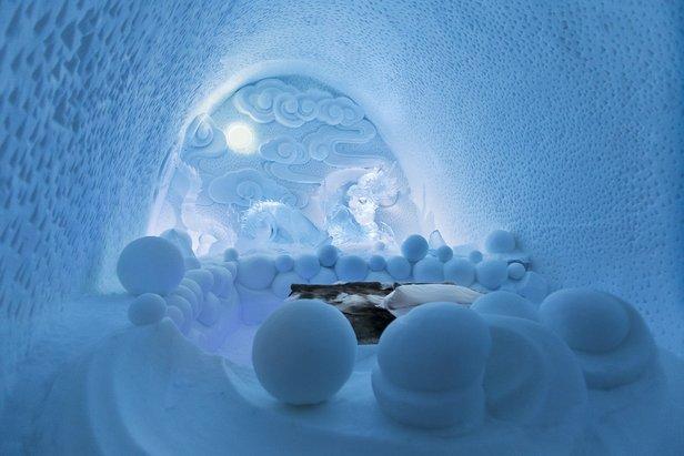 Smoczy apartament w Ice Hotelu  - © Paulina Holmgren/Dorjsuren Lkhagvadorj/Bazarsad Bayarsaikhan/Ice Hotel